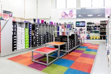 Maple_Drapery_Retail_DSW_Mall_Store_Carpet_Hardwood_Floor_GTA