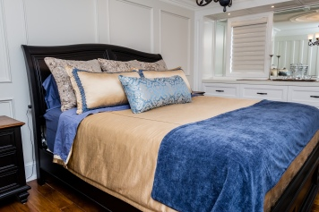blue-and-gold-bedding