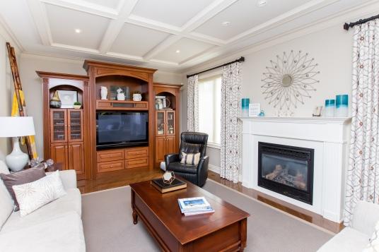 living-wooden-tv-stand-custom-drapery
