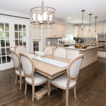 Maple_Draper_Residential_Service_Carpet_GTA_Toronto_Kitchen_Dining_ROom