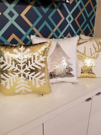 Seasonal Winter Pillows - Snowflakes