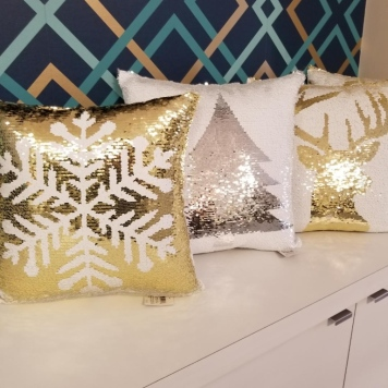 Seasonal Winter Pillows - Snowflakes